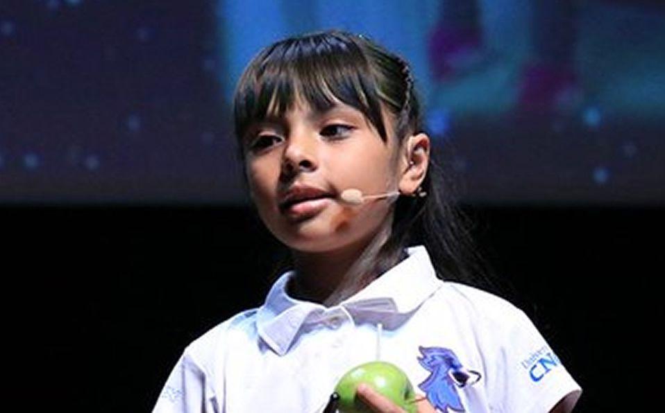 8 vjeçarja që po e befason botën, 'mposht' inteligjencën e Einsteinit – VIDEO