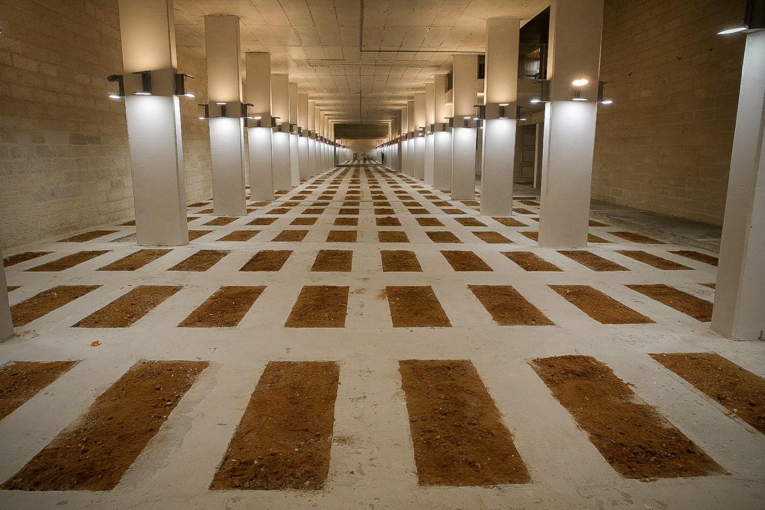 Aty ku njerëzit varrosen 16 metra nën tokë – VIDEO