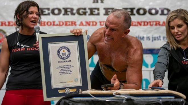 62 vjeçari qëndroi për tetë orë në bërryla – VIDEO